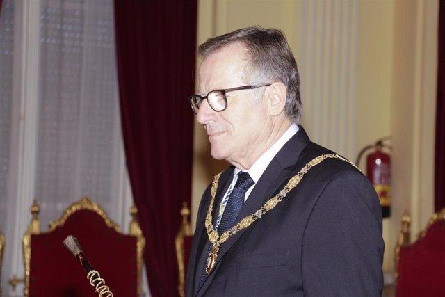 Eduardo de Castro González (Cs) toma posesión el cargo de presidente de Ciudad Autónoma de Melilla.