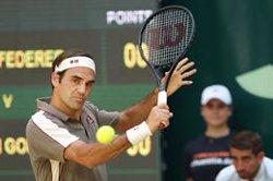 Federer alça el seu desè títol a Halle (Friso Gentsch/dpa)