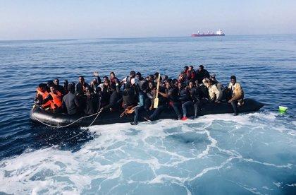 Rescatan a 280 personas de ocho pateras durante este fin de semana en las costas de Andalucía