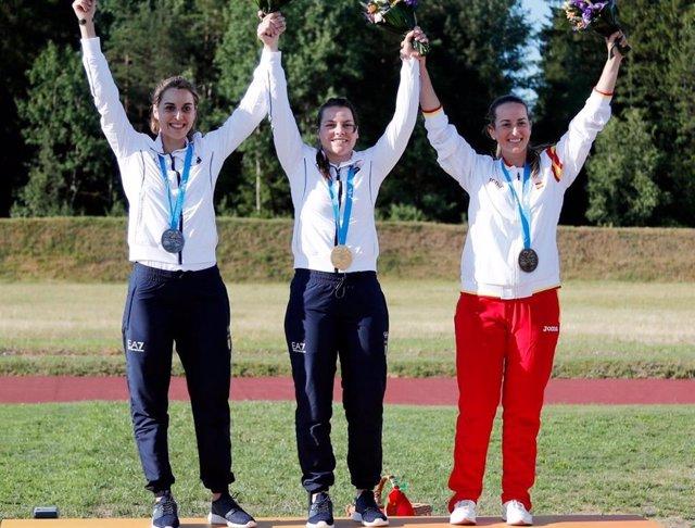 La tiradora española Fátima Gálvez, con su medalla de bronce en los II Juegos Europeos.