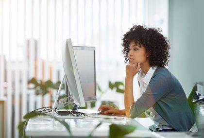 Cómo afecta ordenador a nuestra vista: 6 tips para contrarrestar daños