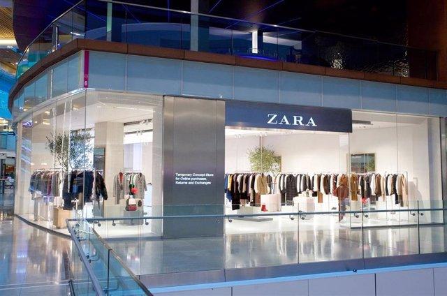 Tienda de Zara especializada en realizar y recoger pedidos 'online' y tramitar devoluciones