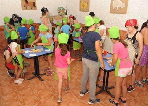 Unos 60 niños andaluces, con y sin discapacidad, participan este verano en un campamento inclusivo de la ONCE