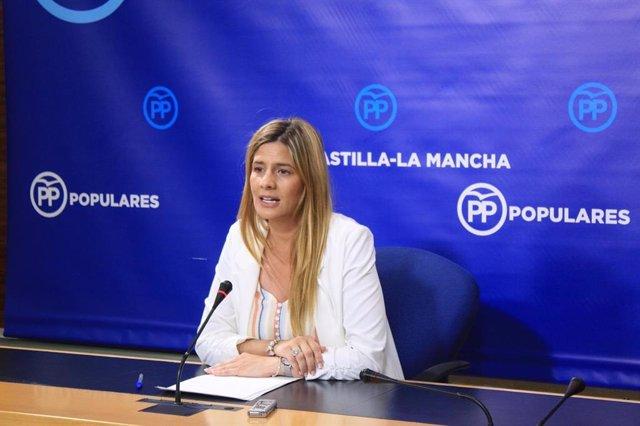 La secretaria general del PP en rueda de prensa