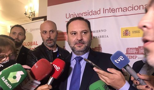 El ministro José Luis Ábalos en la UIMP