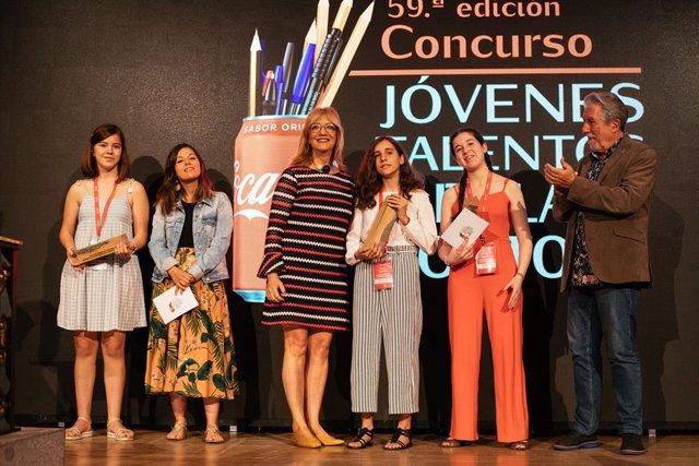 La madrileña Alicia Lastres, ganadora de la LIX edición del Concurso Coca-Cola Jóvenes Talentos de Relato Corto