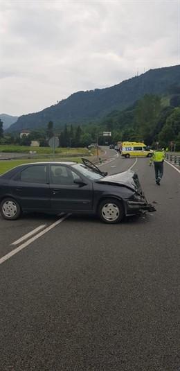 Vehículo implicado en un accidente en Sunbilla.