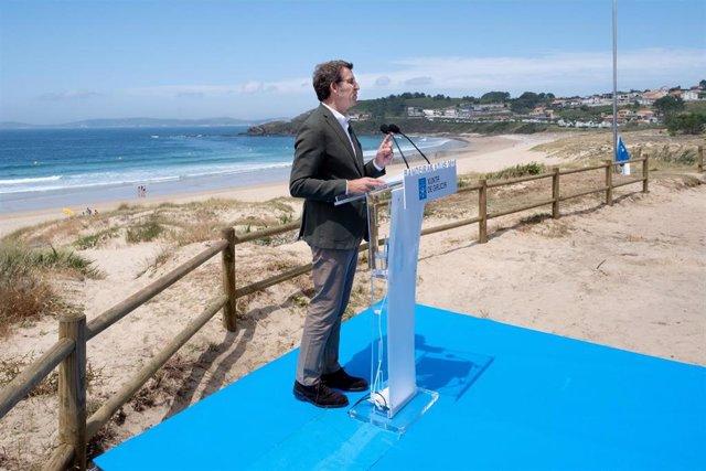 El presidente de la Xunta preside la entrega de Bandeiras Azuis 2019