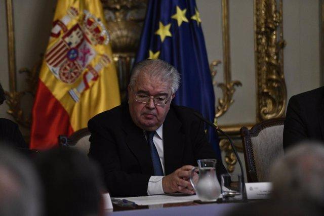 El president del Tribunal Constitucional, Juan José González Rivas, durant la presentació a Madrid del lliuro Comentaris a la Constitució Espanyola i la campanya institucional engegada pel Ministeri de Justícia per a la commemoració del 40