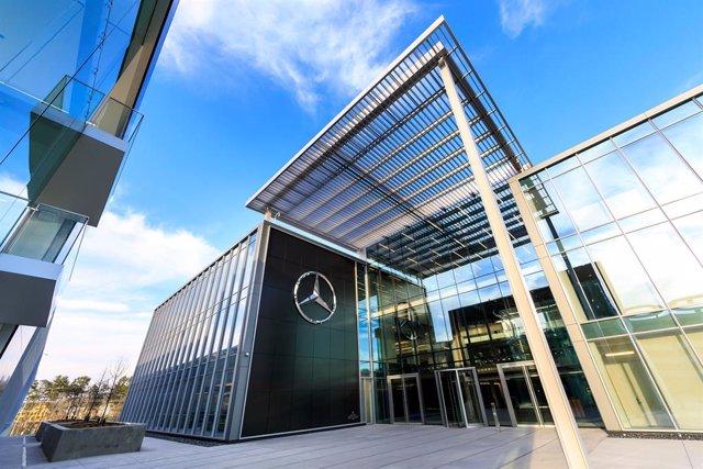 Foto recurso sede de Mercedes-Benz