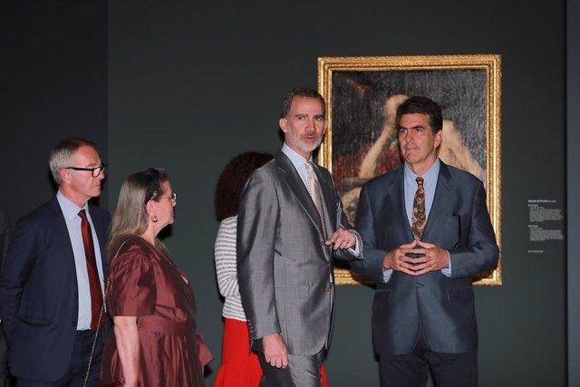 (I-D) El ministre de Cultura i Esport en funcions, José Guirao, la vicepresidenta del Real Patronat del Museu Nacional del Prado, Amelia Válcarcel, el Rei Felipe VI i el comissari del Museu Nacional del Prado, Alejandro Vergara, durant la inauguració