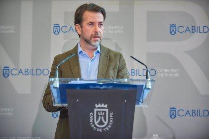 Alonso, a la espera de cerrar un pacto con PP y Cs, nombra un Gobierno provisional en el Cabildo de Tenerife