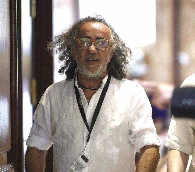 El músico Teo Cardalda ('Cómplices'), vicepresidente de la SGAE, llega a una Asamblea General Ordinaria en el Hotel Intercontinental de Madrid.