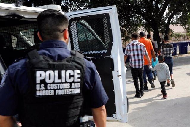 Policía fronteriza en Laredo, Texas, Estados Unidos