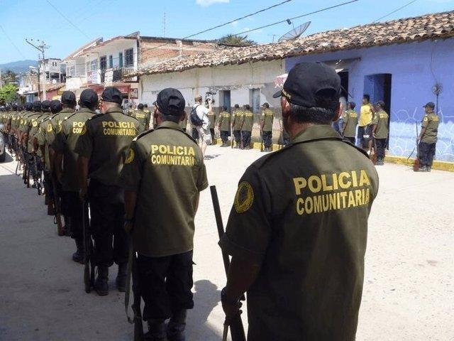 Policía comunitaria México