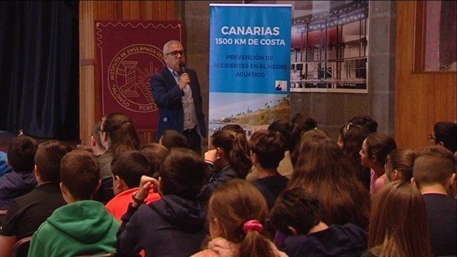 Sebastián Quintana En Una De Las Charlas Del Curso Pasado Ante Más De Un Centenar De Alumnos Del IES Alonso Pérez Díaz, La Palma