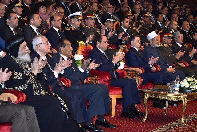 Abdelfatá al Sisi preside una ceremonia policial