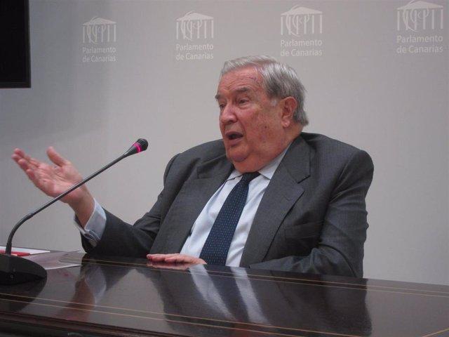 El Diputado del Común, Jerónimo Saavedra, ha pedido a todos los partidos que están presentes en el Parlamento