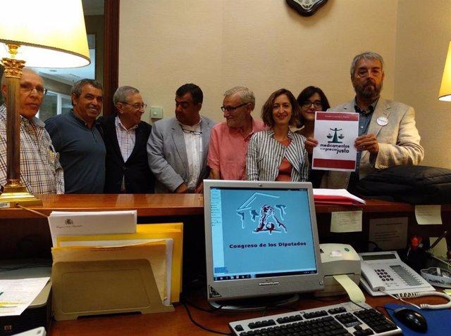 19 Organizaciones Y Asociaciones Presentan Una ILP En El Congreso De Los Diputados Para Abaratar El Precio De Los Medicamentos