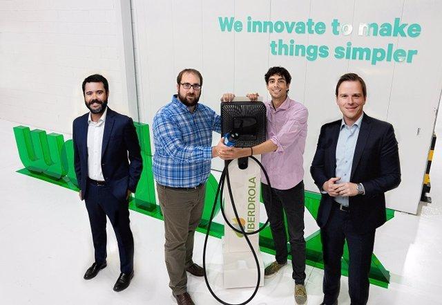 Directivos de la firma europea de soluciones de recarga para vehículos eléctricos Wallbox