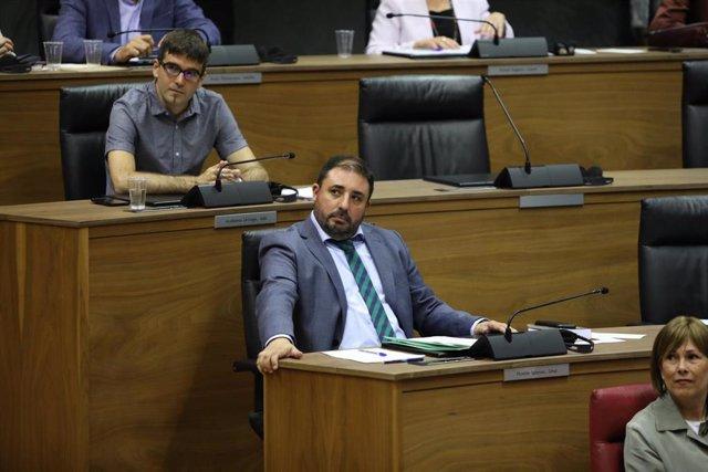 Unai Hualde (Geroa Bai), presidente del Parlamento de Navarra, durante la sesión de constitución del Legislativo foral el pasado 19 de junio.