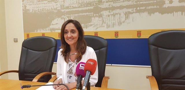 La portavoz del equipo de Gobierno de Talavera, Flora Bellón, en rueda de prensa
