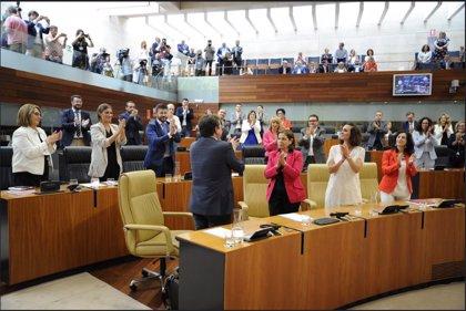 Vara, investido presidente de Extremadura con la mayoría absoluta del PSOE y la abstención de Ciudadanos y Podemos