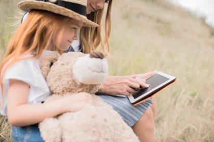 5 estrategias para evitar la sobreexposición infantil a las pantallas