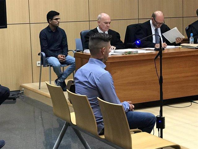 Los dos acusados de asesinar a un hombre en Sot de Chera, en el juicio