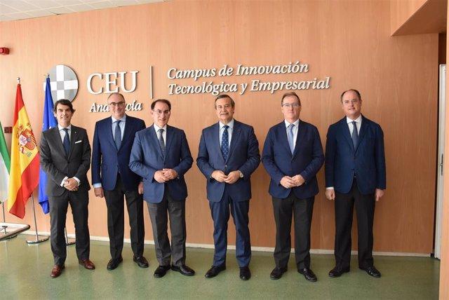 De izquierda a derecha: Jaime Javier Domingo Martínez, Director de Desarrollo de Mercado de CEU Andalucía; Eduardo del Rey Tirado, Jefe de Gabinete del Presidente de CEA; Javier González de Lara, Presidente de CEA; Juan Carlos Hernández Buades, CEO-Direct