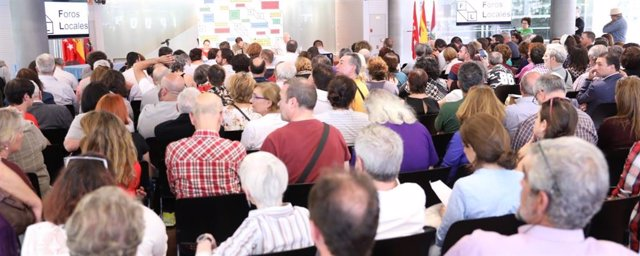 Terrazas delimitadas en el suelo o buzones morados mejoran Madrid junto a decenas de acciones de los Foros Locales