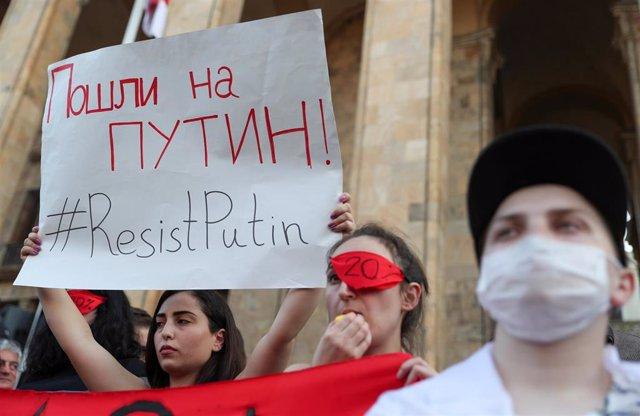Manifestación en Tiflis contra la visita de una delegación rusa a Georgia