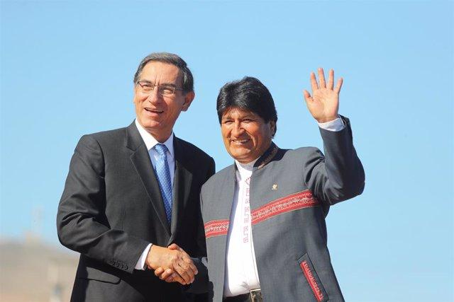 Peru's President Martin Vizcarra and his Bolivian counterpart Evo Morales attend a bilateral meeting in Ilo