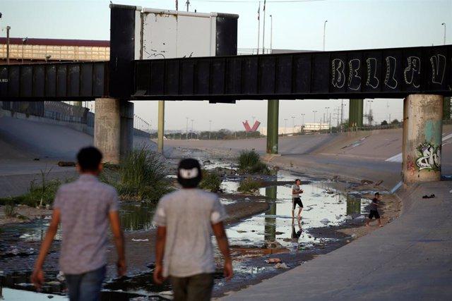 Frontera México EEUU por el río Bravo