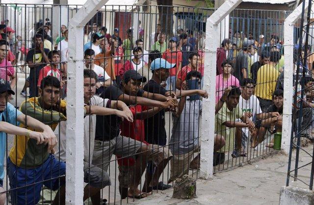 Presos en la cárcel de Tacumbu, en Asunción