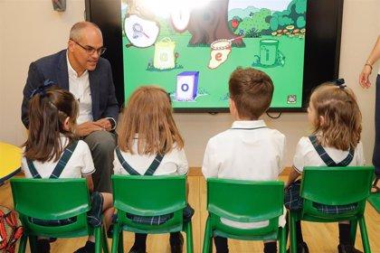 Van Grieken dice que la Consejería estudiará los recursos sobre la prueba de inglés de las oposiciones a maestro
