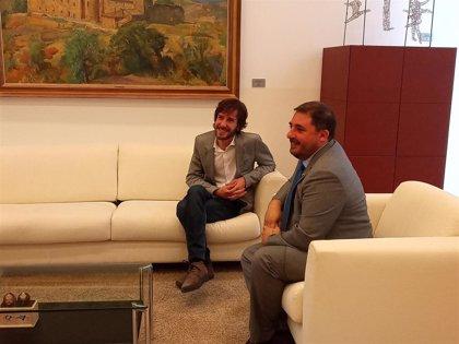 """Buil (Podemos) pide un pacto de gobierno """"amplio"""" y dice que un """"acuerdo de mínimos"""" no les va a valer"""
