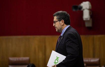 """Serrano (Vox), de baja médica tras sus comentarios sobre La Manada, que achaca a """"un colaborador"""""""