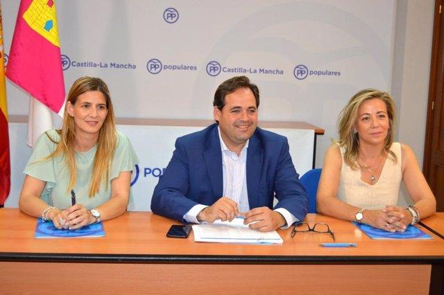 El presidente del PP de C-LM, Paco Núñez, en una rueda de prensa previa a la reunión del Comité de Dirección regional