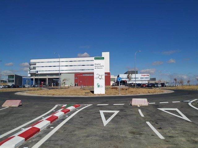 El Hospital Universitario de Cáceres ya cuenta con el nuevo vial de acceso