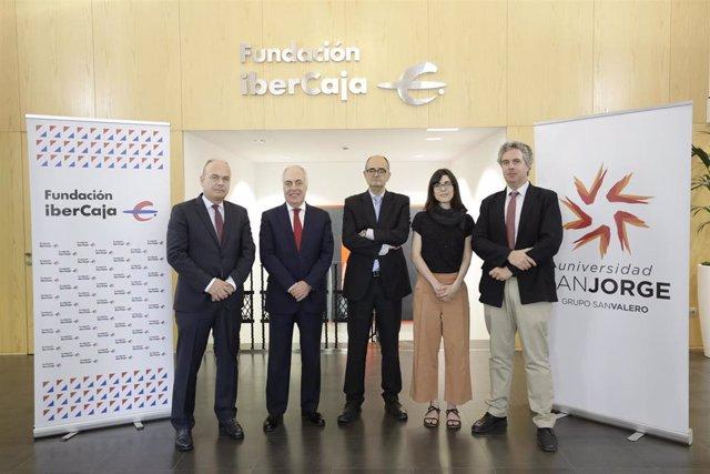 Representantes de Ibercaja y de la Universidad San Jorge han suscrito la creación de la Cátedra