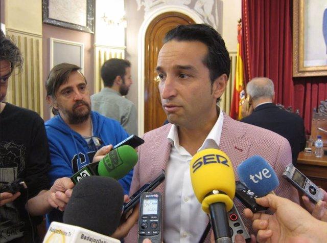 El portavoz del Grupo Socialista de Badajoz, Ricardo Cabezas, en una foto de archivo