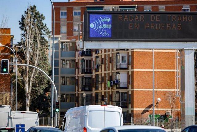 En funcionamiento los semáforos de la A-5 con los vecinos 'divididos' y la protesta de los dirigentes del PP.