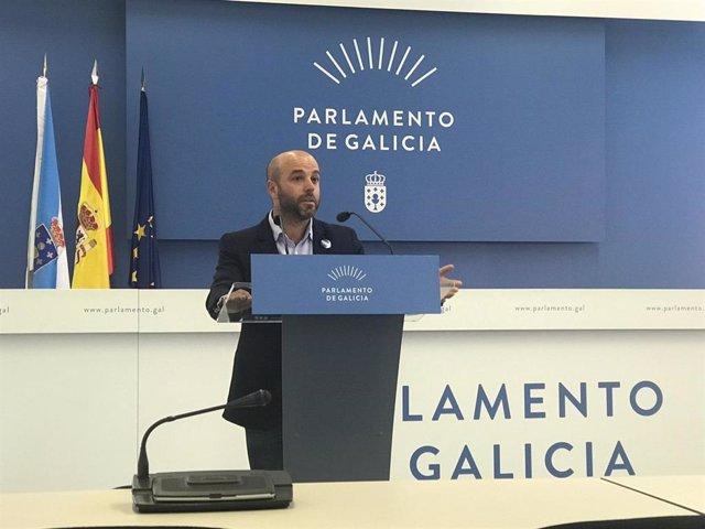 Luís Villares, portavoz de En Marea, en la rueda de prensa posterior a la junta de portavoces del Parlamento de Galicia
