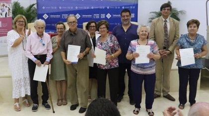 Los alumnos de la Universidad Abierta de Mayores de Mallorca reciben el certificado académico