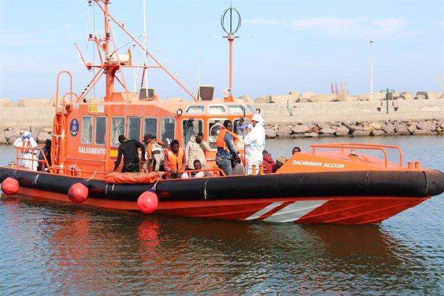 Rescate de 50 personas efectuado por la Salvamar Alcor a principios de junio de 2019