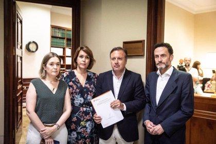 Alonso participa en el registro de la Ley de Memoria, Dignidad y Reparación Víctimas del Terrorismo de Cs en el Congreso