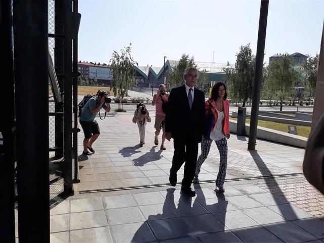 Antón Damborenea y Laura Garrido, parlamentarios del PP