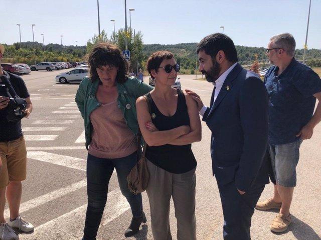 Visita de los consellers Chakir El Homrani y Teresa Jord a la exconsellera Dolors Bassa