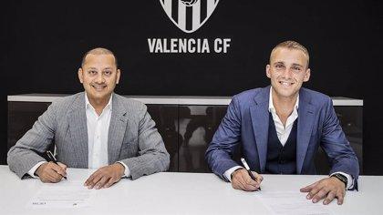 El Valencia confirma el fichaje de Cillessen por 35 millones de euros
